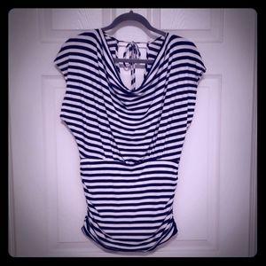 Moamoa striped top.